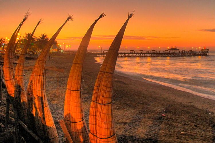 Huanchaco: the 'caballitos de totora' are used for more than 2,750 years | Photo: Melissa Thereliz/Creative Commons
