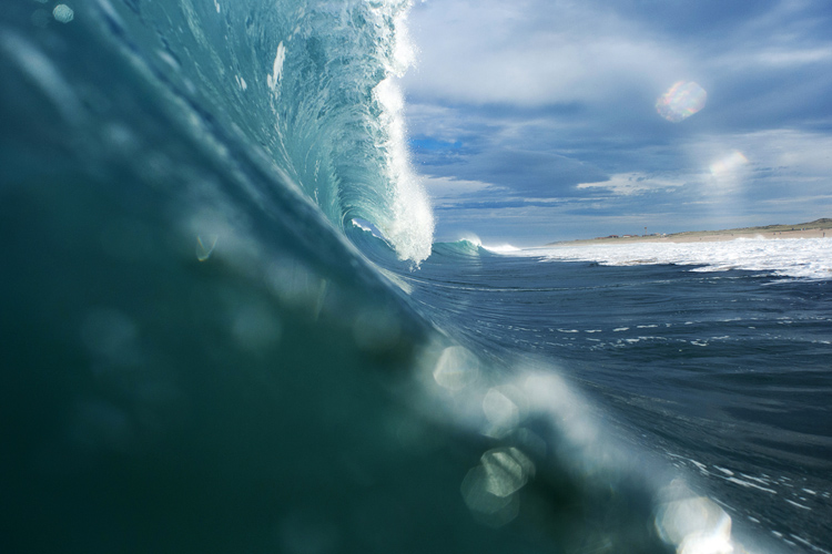 Waves: are you fit for hurricane swells | Photo: Rabejac/Quiksilver