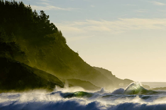 Red Bull Illume Overall Winner: surfer Peter Mendria by the eye of Chris Burkhard