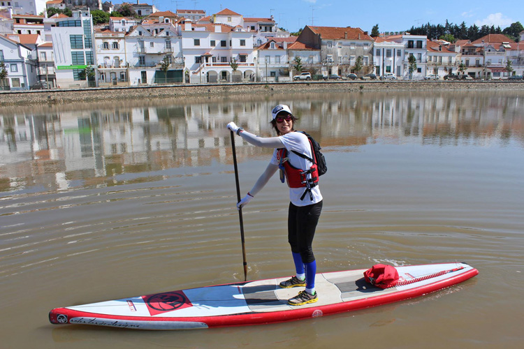 Isa Sebastião: she paddled for 170 kilometers in Portugal | Photo: The Longest Distance SUP