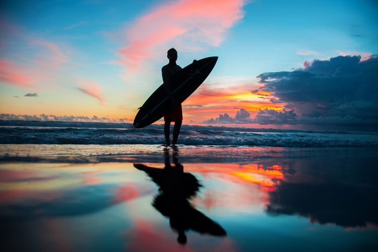 Surfing: a timeless obsession | Photo: Shutterstock