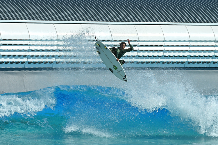 Jacob Szekely: testing South Korea's Wave Park | Photo: Wavegarden