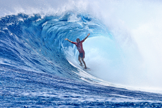 Jake Sylvester: getting barreled and starting a party