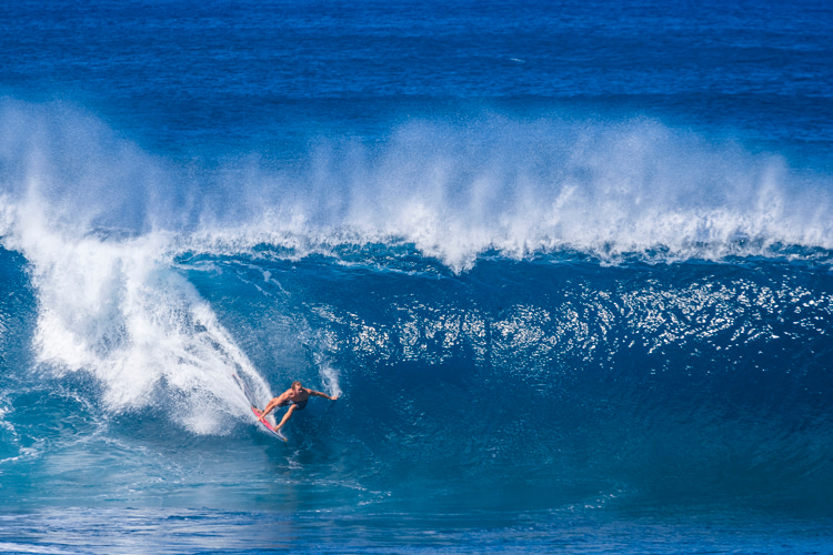 Jamie O'Brien: winner of the 2004 Rip Curl Pro Pipeline Masters | Photo: Red Bull