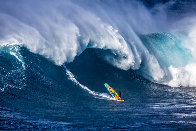 Jason Polakow: windsurfers were among the first to ride the waves at Jaws | Photo: Hepp / Red Bull