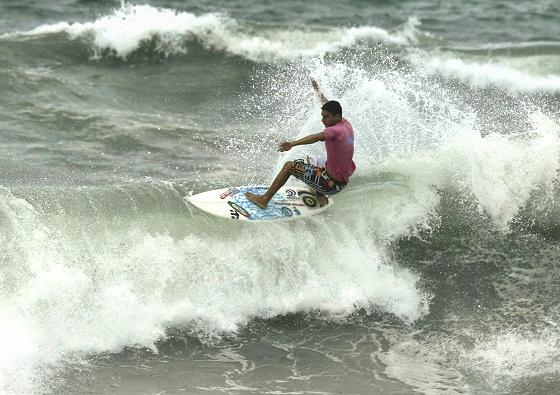 Carlos munoz surfer dating