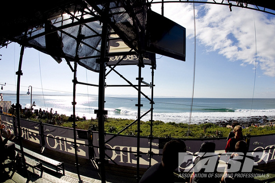 Billabong Pro Jeffreys Bay: no money, no pros