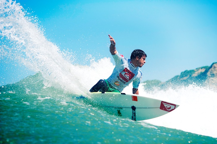 Jeremy Flores: eyeing Pipe | Photo: Quiksilver/Timo