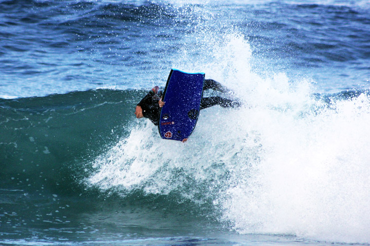 Joana Schenker: pro female bodyboarders are more flexible than men