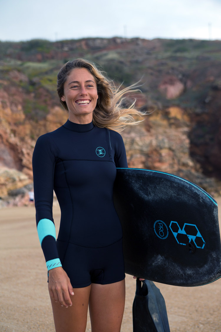 Joana Schenker: she co-owns a bodyboarding school with rider Francisco Pinheiro
