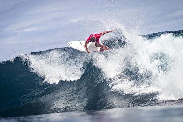 Joan Duru: climbing up the wall | Photo: ASP/Damien Poullenot