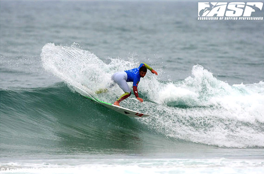 Joan Duru in the Estoril Coast Pro