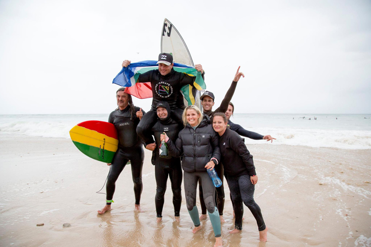 Josh Enslin: celebrating after 1811 minutes of surfing | Photo: Sandy Smyth Coffey/Cyoh Surf Club