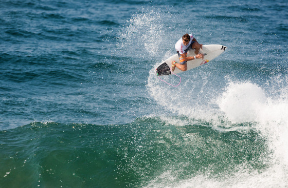 Julian Wilson: performing a perfect Alley-Oop