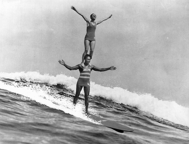 Duke Kahanamoku and Isabel Letham: tandem surfing in Australia
