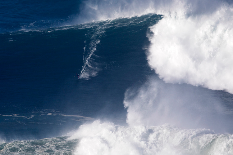 Kay Lenny: the Hawaiian surfer is chasing the 100-foot wave | Photo: Red Bull