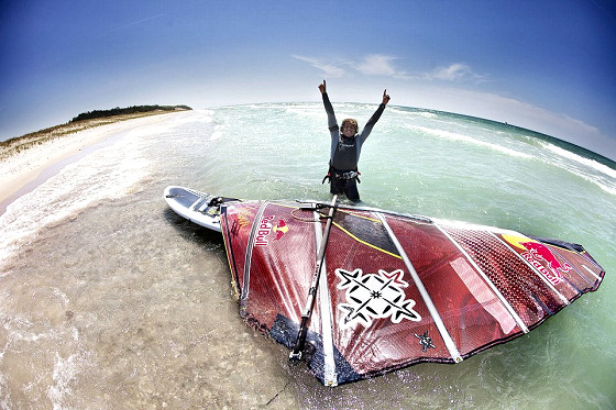 Kai Lenny: Lake Michigan windsurf crosser