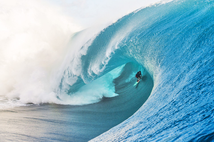 Keala Kennelly: bomb of the decade? | Photo: Billabong