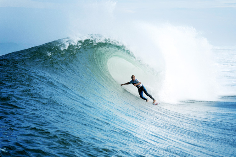 Kelly Slater: a master in the barrel | Photo: Rabejac/Quiksilver