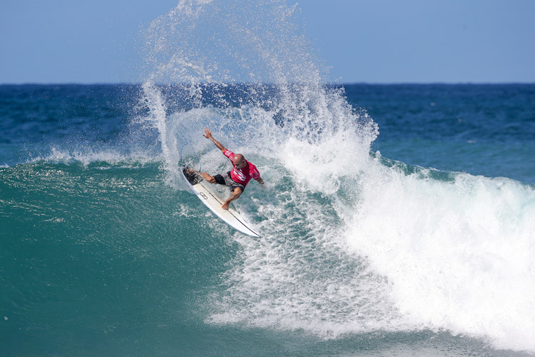 Kelly Slater: the Pipeline can be fun, even when barrels are scare | Photo: Heff/WSL