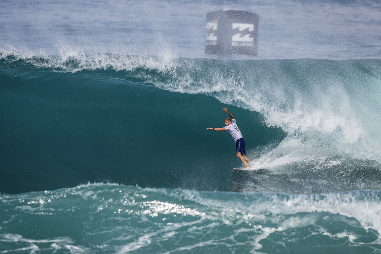 Kelly Slater: he won his first heat after returning from injury | Photo: Poullenot/WSL