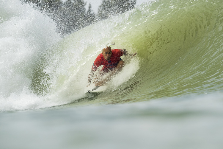 Kelly Slater: surfing in home turf | Photo: WSL