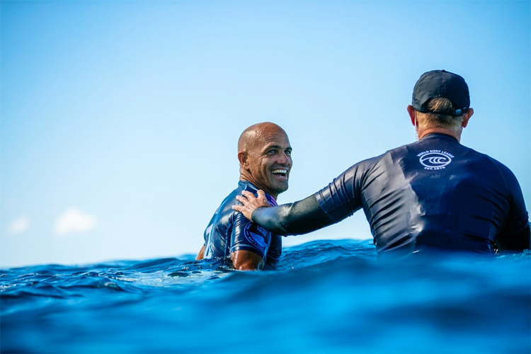 Kelly Slater: smile, you're still scoring Perfect 10-point rides at the age of 47 | Photo: Sloane/WSL