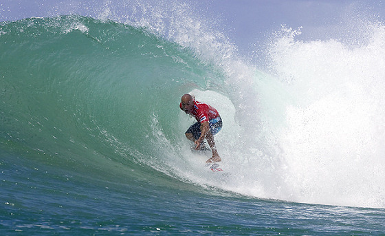 Kelly Slater: the wizard is practicing the magic trick