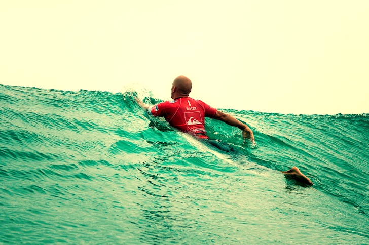 Kelly Slater: listening to four heat tactics at the same time