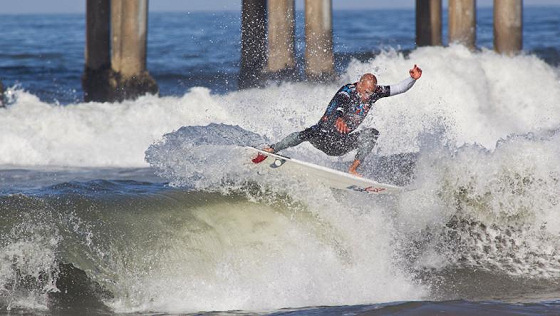 Kelly Slater: surfing like he was 18
