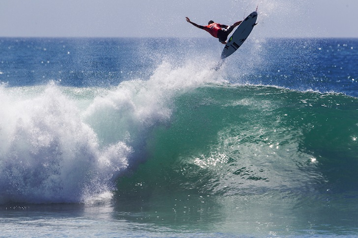 Kelly Slater: the impossible air at Lower Trestles | Photo: ASP/ Rowland