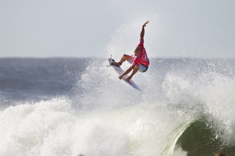 Kelly Slater: a Snapper Rocks master | Photo: Kirstin/Quiksilver