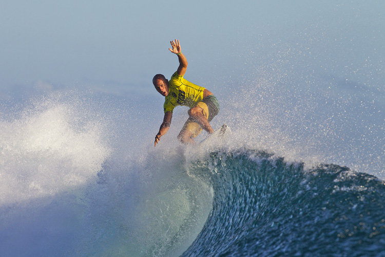 Kelly Slater: floater in Fiji | Photo: ASP/Kirstin