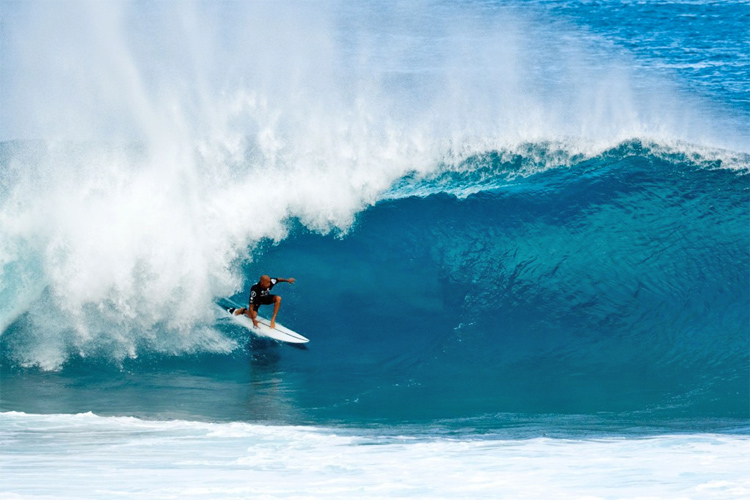 Kelly Slater: a barrel veteran in action | Photo: Morrissey/Volcom