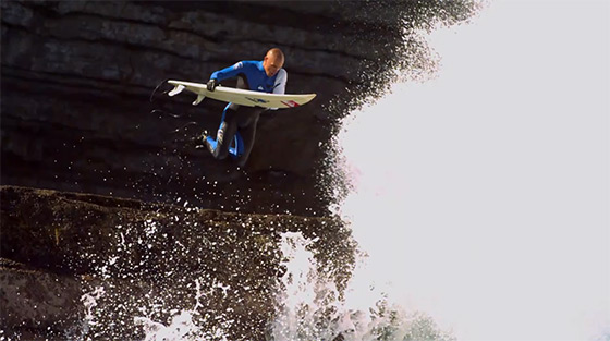 Kelly Slater: jumping to the 10th title
