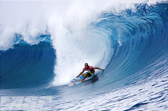 Kelly Slater in the Billabong Pro Teahupoo