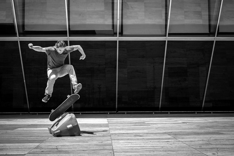 Kickflip: one of the most important maneuvers in contemporary skateboarding | Photo: Boris Thaser/Creative Commons