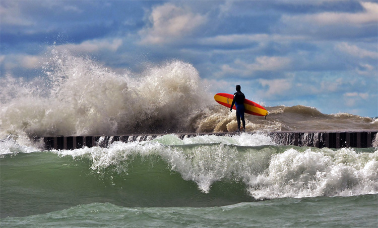 Kincardine Station Beach, Great Lakes, Ontario | Photo: Surf Kincardine