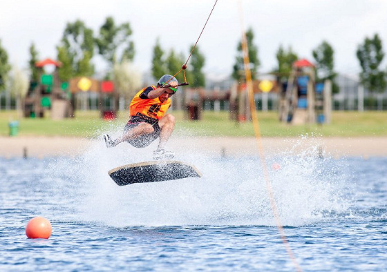 King of Wake: extreme cable tricks