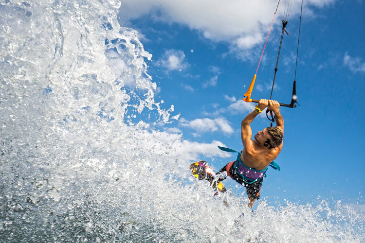 Kiteboarding: one of the most exciting water sports on the planet | Photo: Shutterstock
