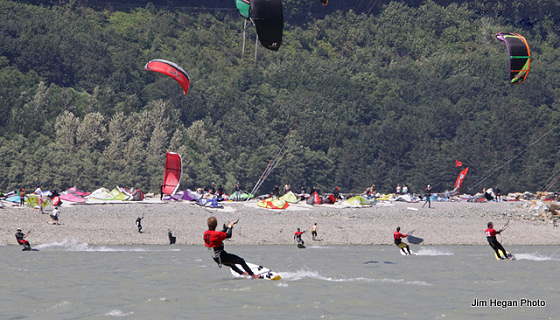 Kiteboarding in Canada: crowded but fun