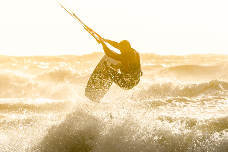 Kiteboarding: a safe water sport | Photo: Shutterstock