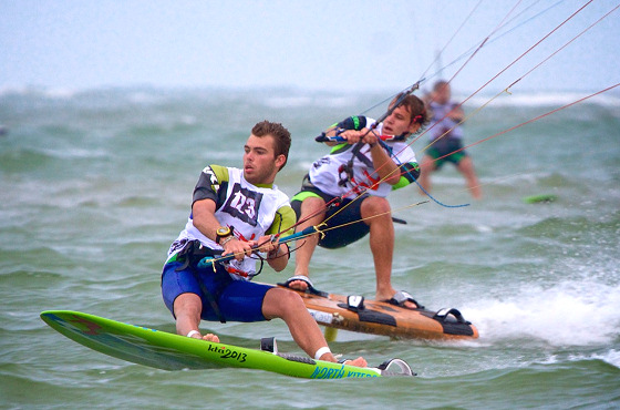 Kiteboard Racing: tight, fast and full of adrenaline