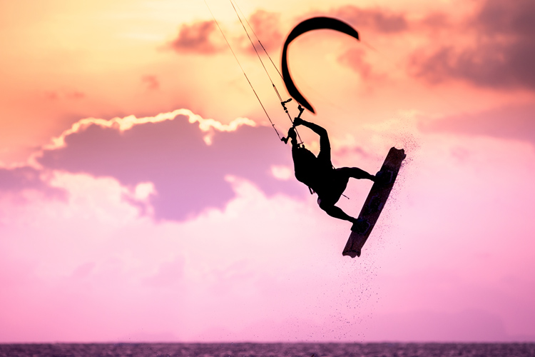 Kiteboards: lighter and more flexible than wakeboards | Photo: Shutterstock
