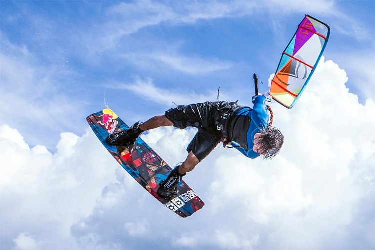 Kiteboarding: there are many brands developing kites, boards, and accessories | Photo: Liquid Force