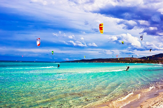 Kiteboarding holidays: find your kite camp