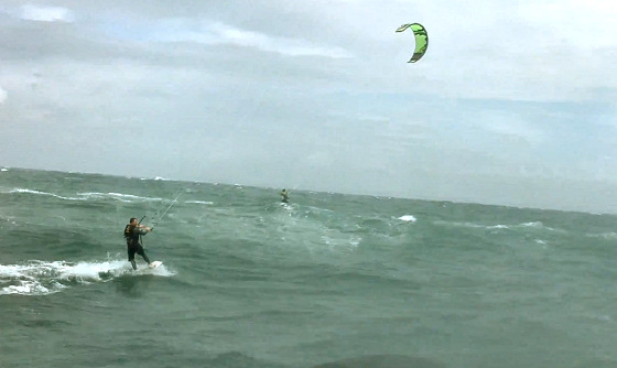 English Channel: harsh times for kitesurfers