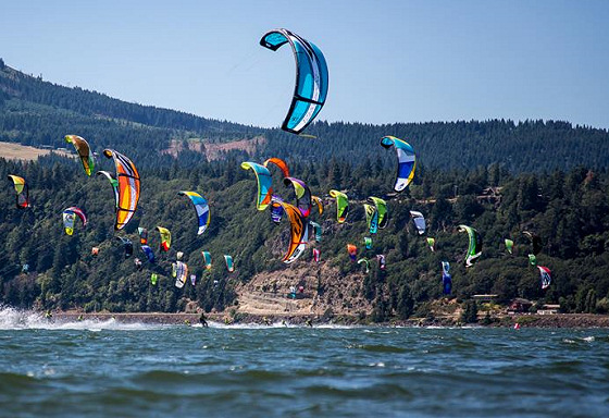 2013 Kiteboarding 4 Cancer: Hood River dreams