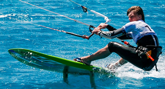 Kiteboarding: the Course Racing style