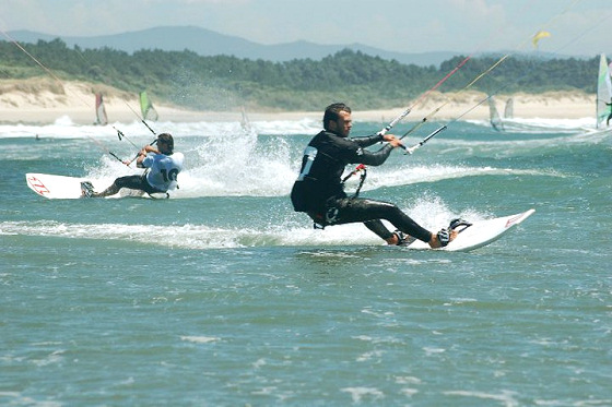 Kiteboarding in Portugal: windy and sunny